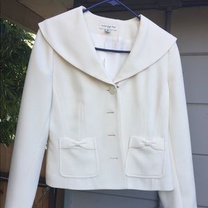 White skirt suit, size 4, excellent condition